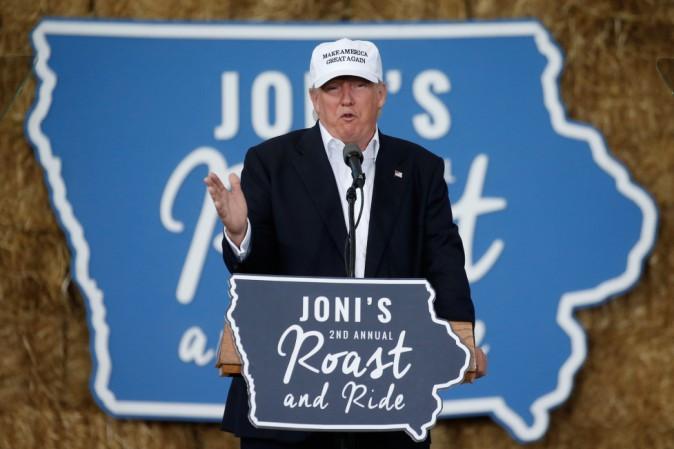 Trump annuncia un piano per tracciare gli immigrati e controllare i ...