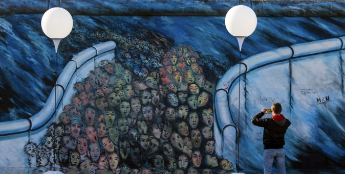 Pianta Muro Berlino : Il muro di berlino anni fa tpi
