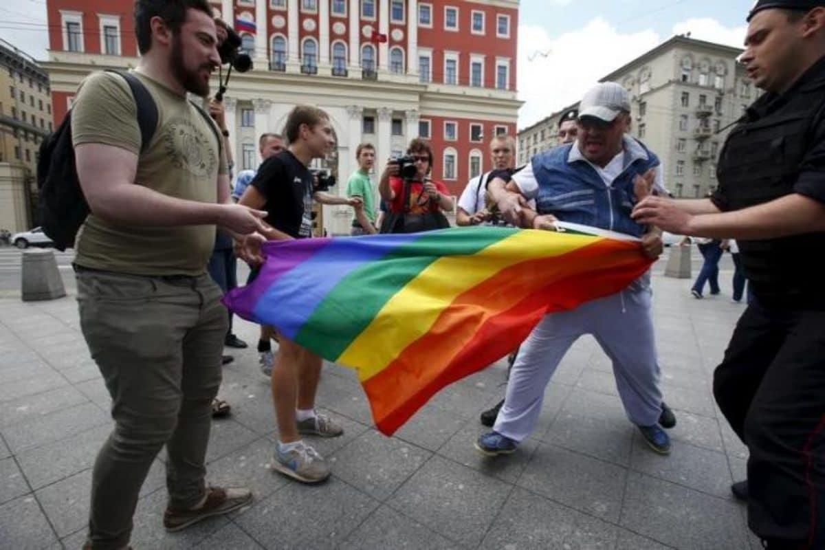 Russia sentenza contro legge propaganda gay