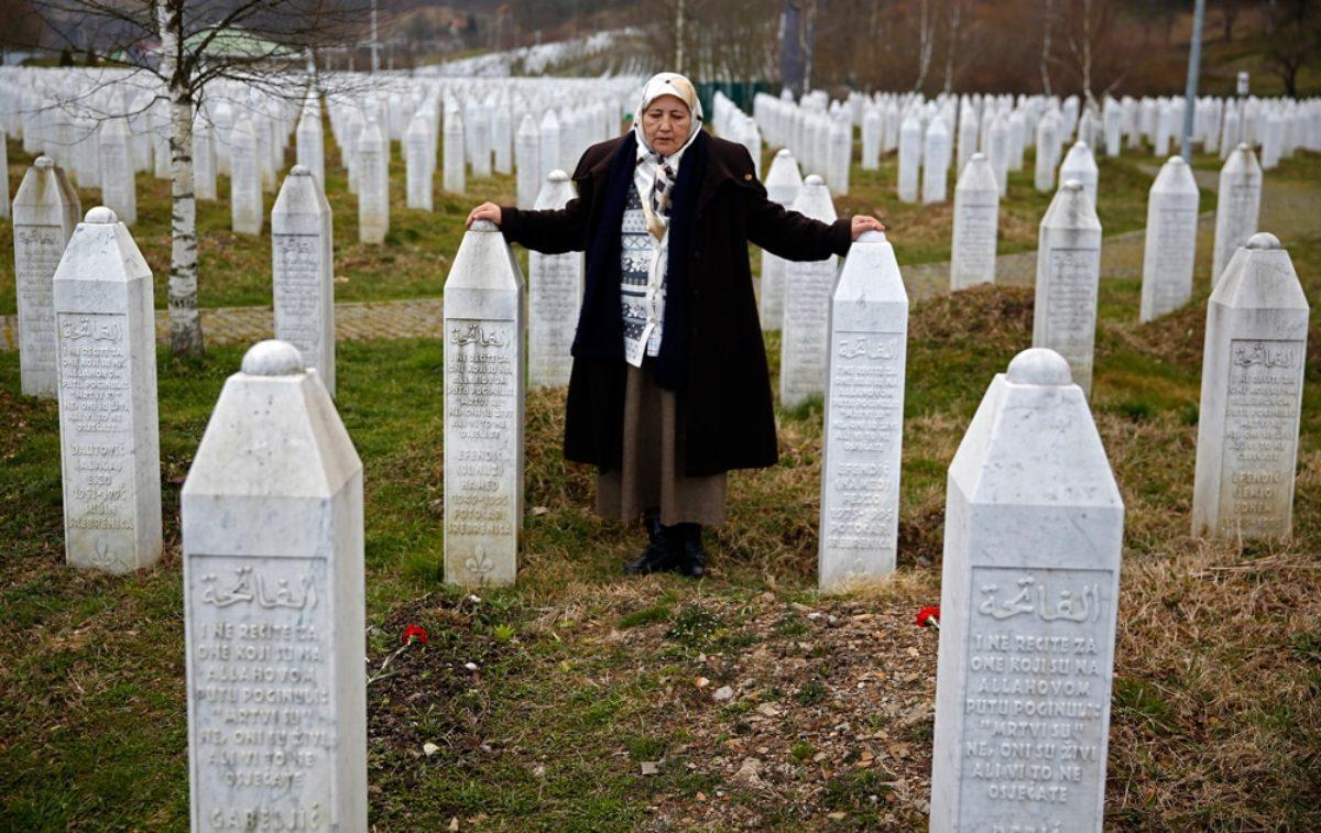 Strage di Srebrenica, Corte d'Appello dell'Aja: governo olandese colpevole di 300 morti