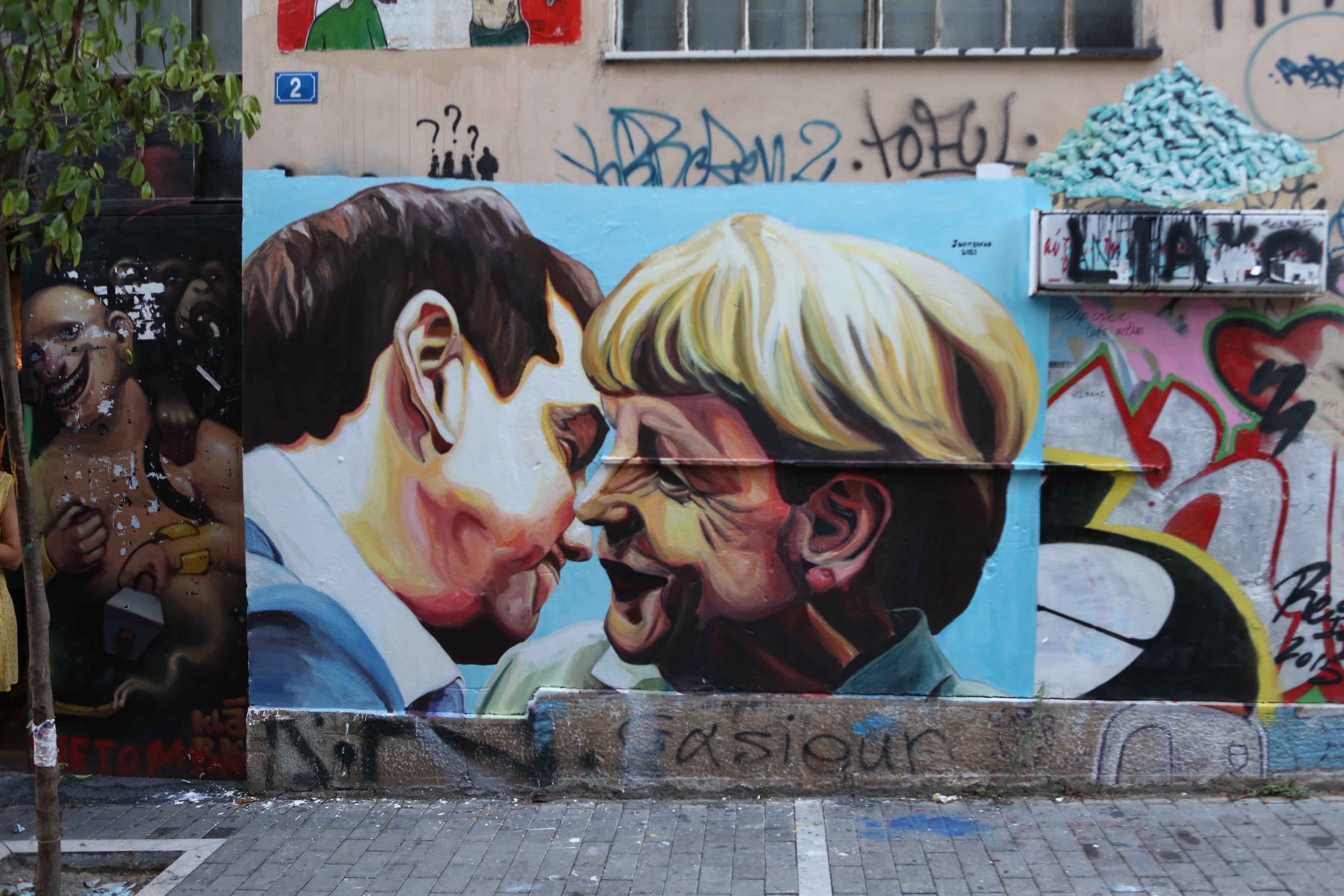 Bacio Merkel Tsipras