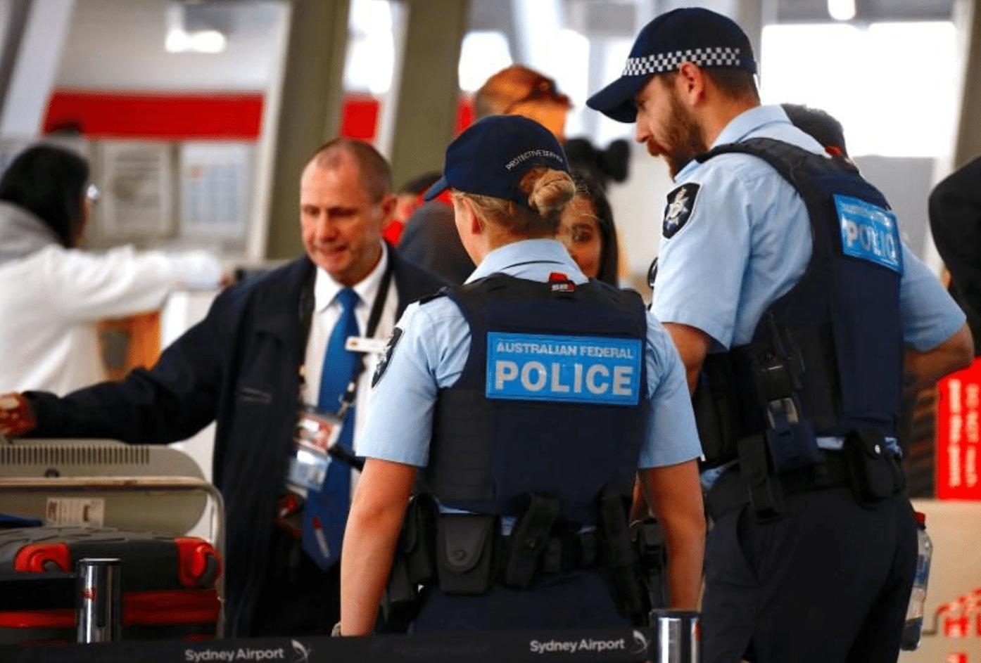 Terrorismo, volevano far saltare aereo in volo: 4 arresti in Australia