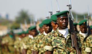 Una parata militare a Bujumbura