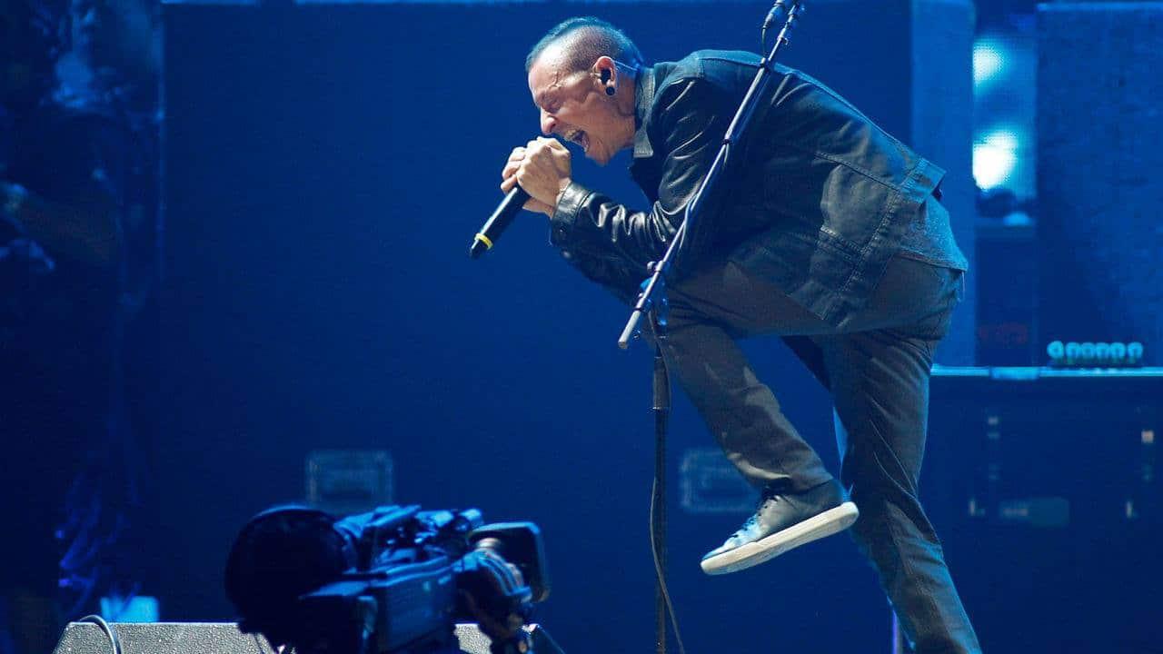 Addio a Chester Bennington, cantante dei Linking Park: