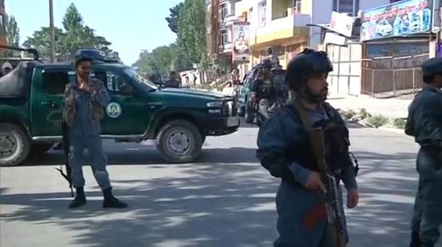 Afghanistan, attacco kamikaze a Kabul: 35 le vittime