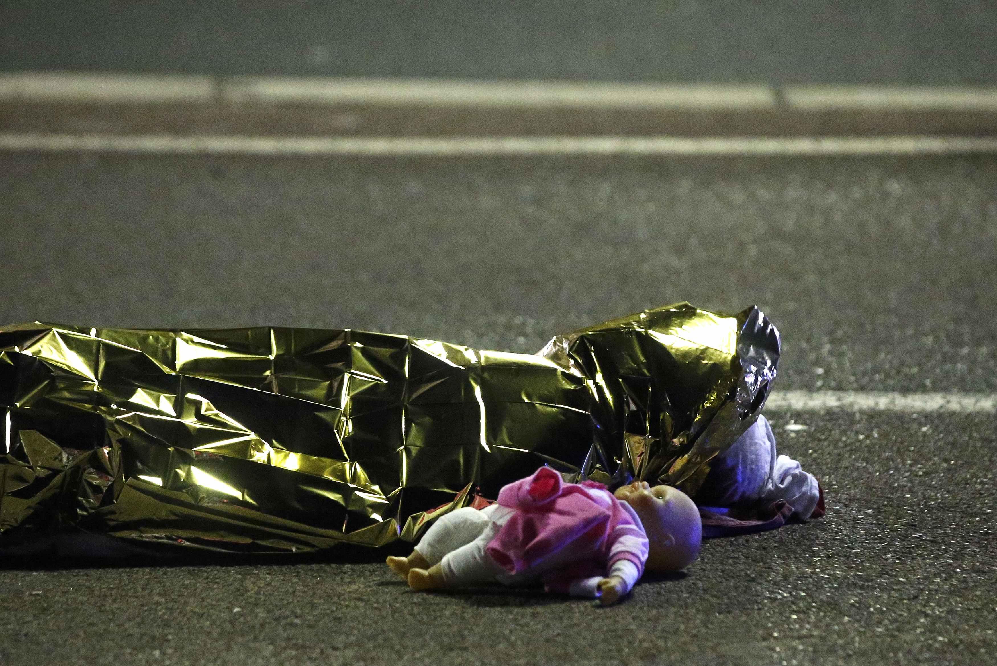 Commemorazione Nizza, il tributo delle Forze Armate alle vittime innocenti