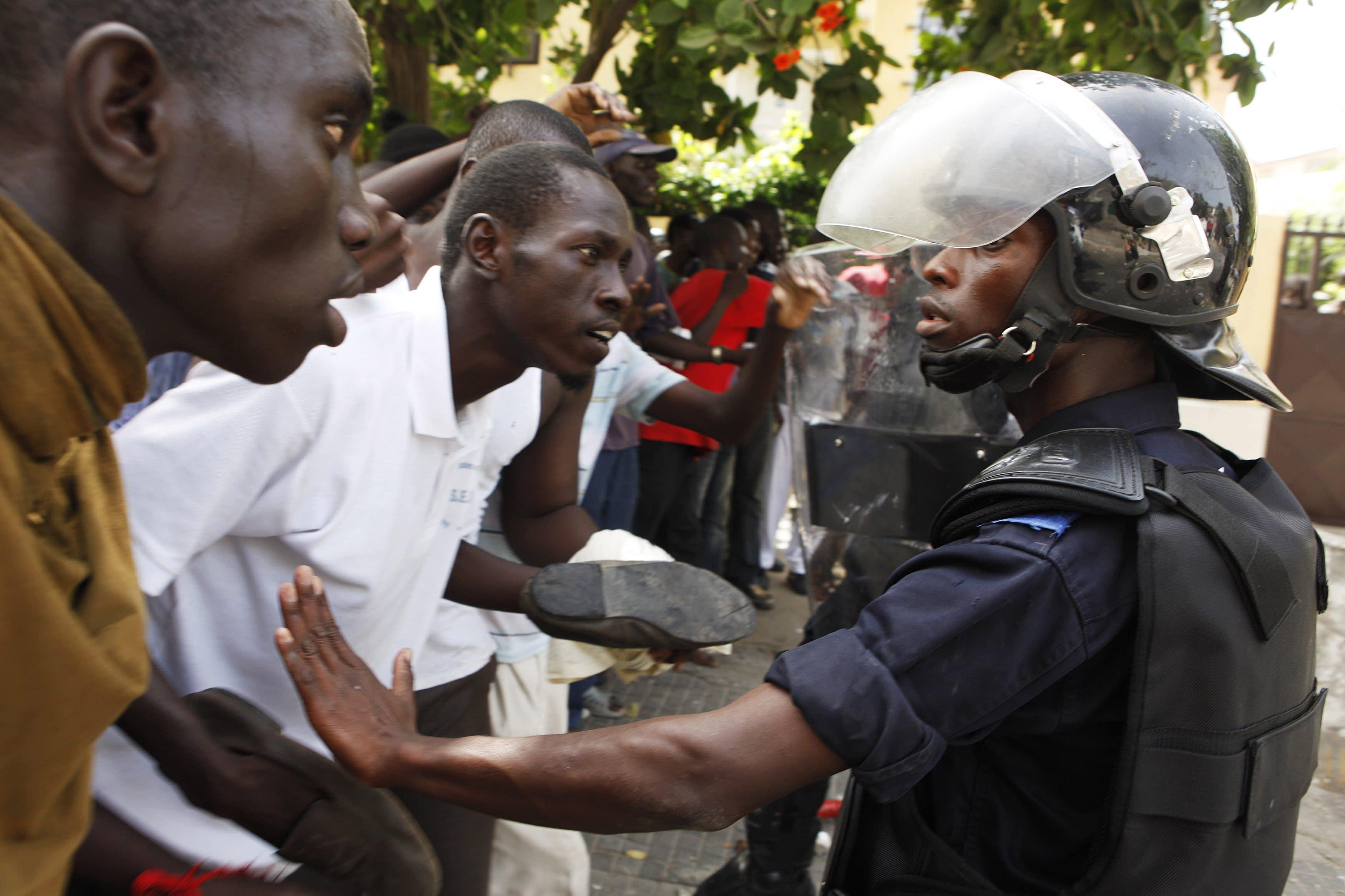 Dakar, crolla muro allo stadio dopo scontri: morti e feriti