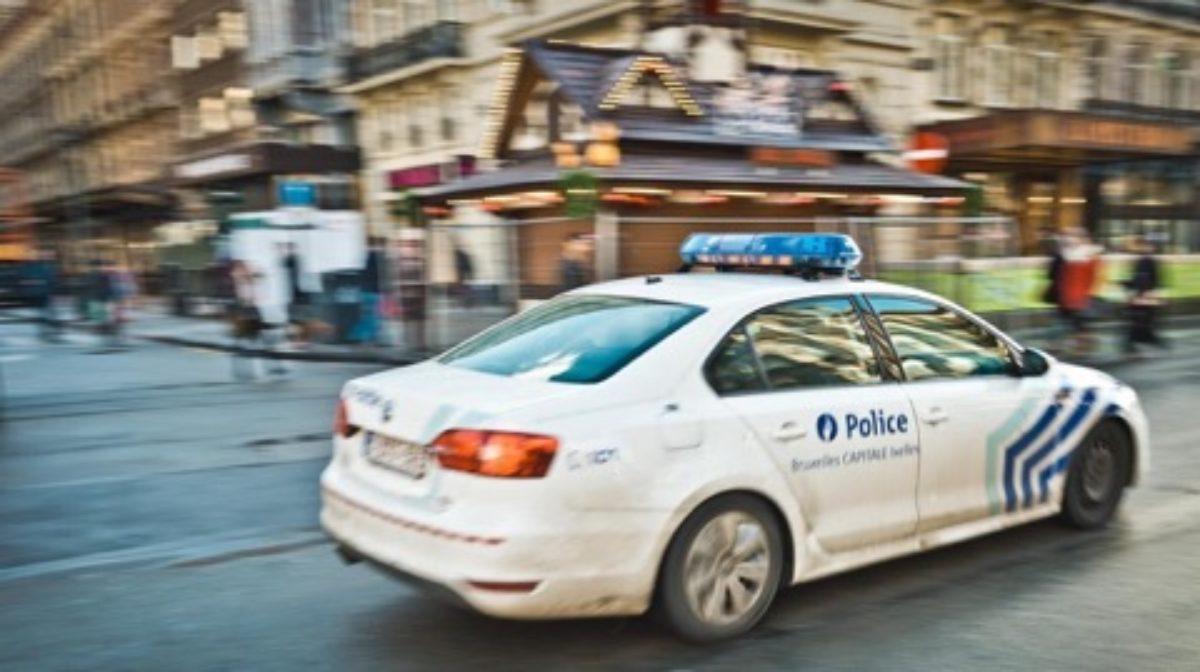Bruxelles, inseguimento e spari contro auto sospetta