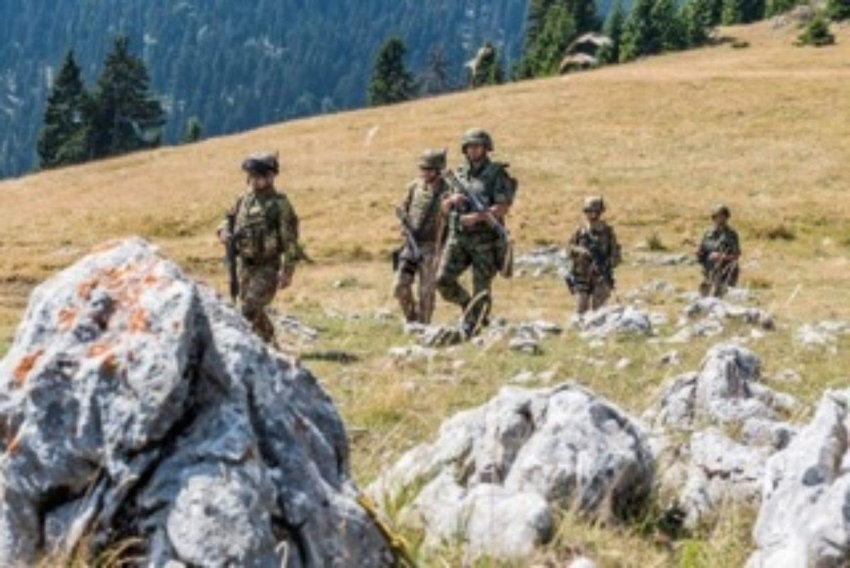 Militari italiani impegnati in operazioni congiunte con l'esercito serbo in Kosovo | TPI