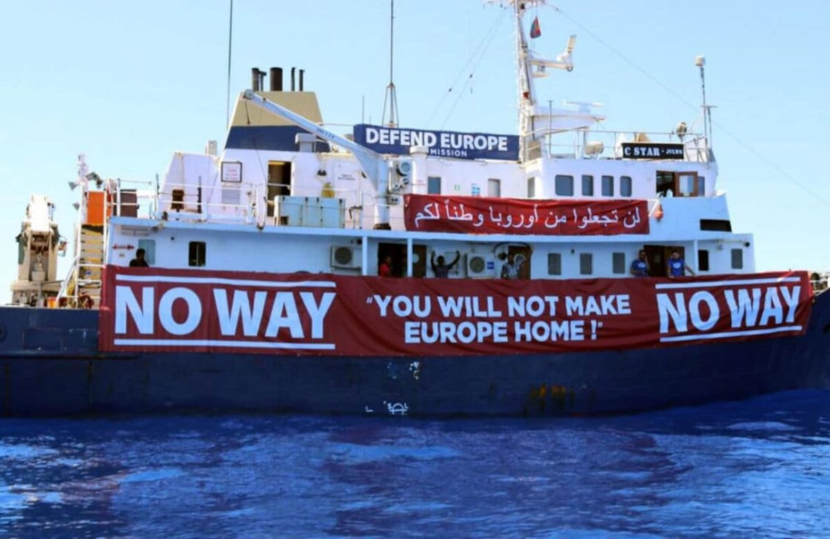 Defend Europe, la nave anti-migranti in avaria soccorsa da ong