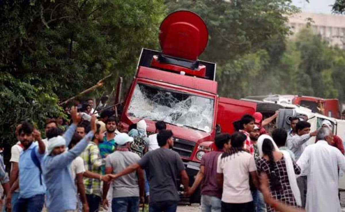 Condannato il guru violentatore: caos e morti