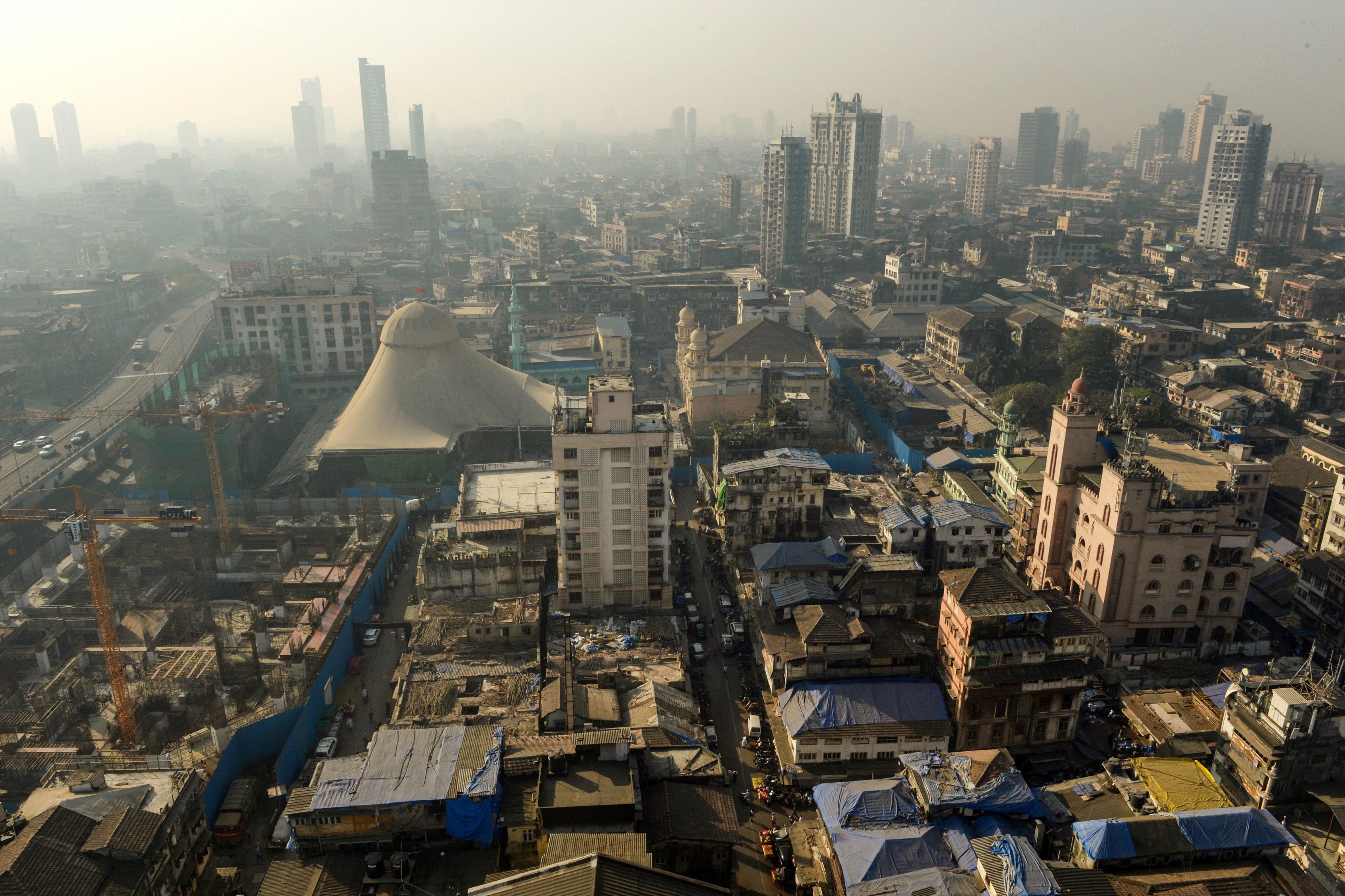 Crolla edificio a Mumbai, 7 vittime