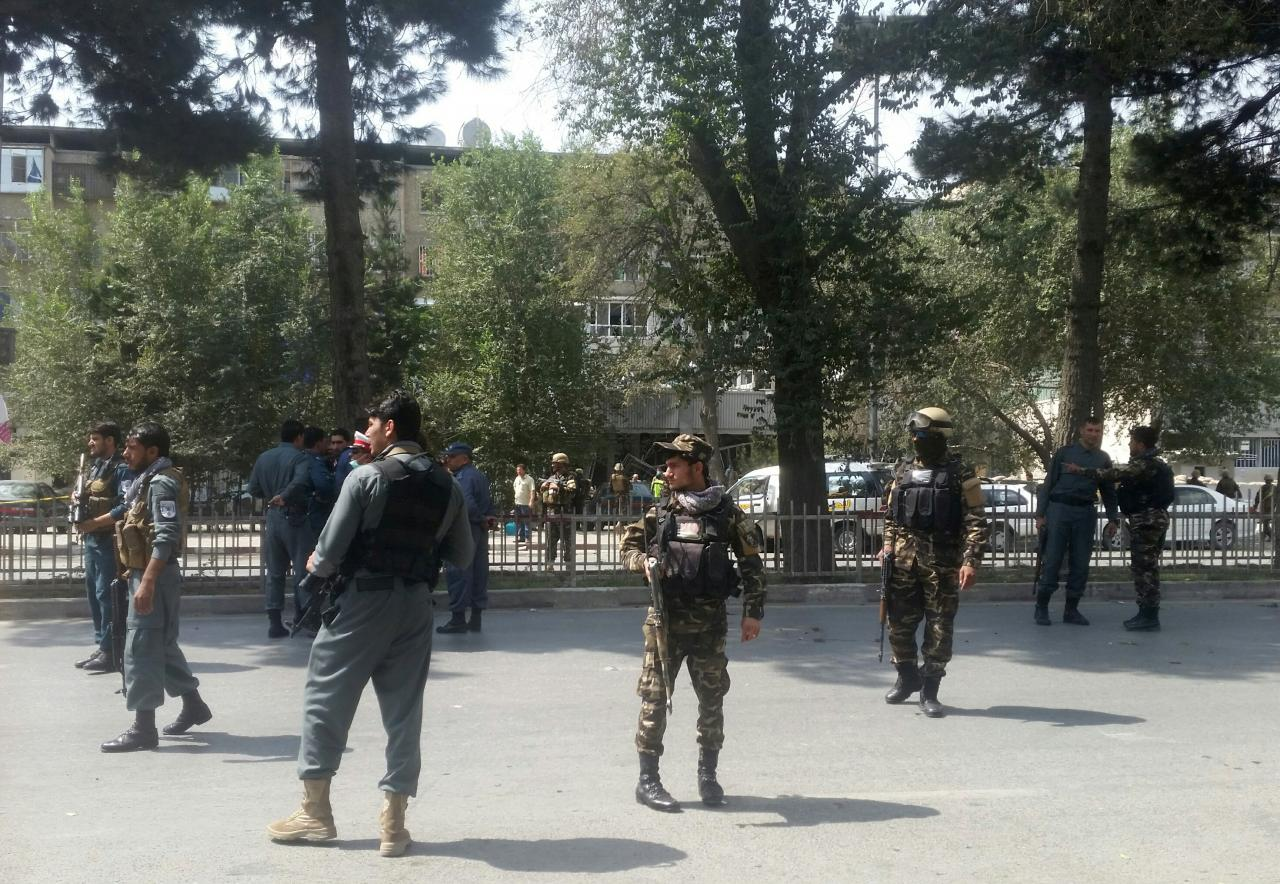 Afghanistan. Kabul. Kamikaze si fa esplodere davanti ad una banca. 5 morti