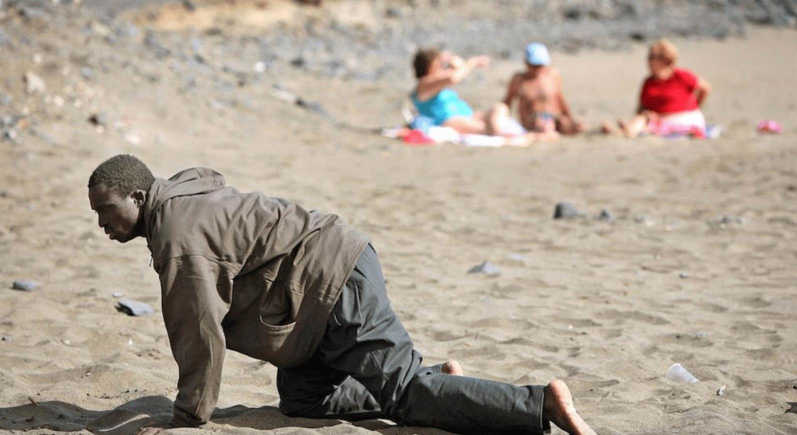 Ceuta: passano il confine correndo