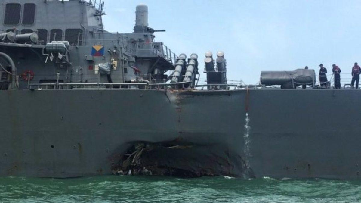Singapore, nave da guerra Usa si scontra con cargo: 10 dispersi