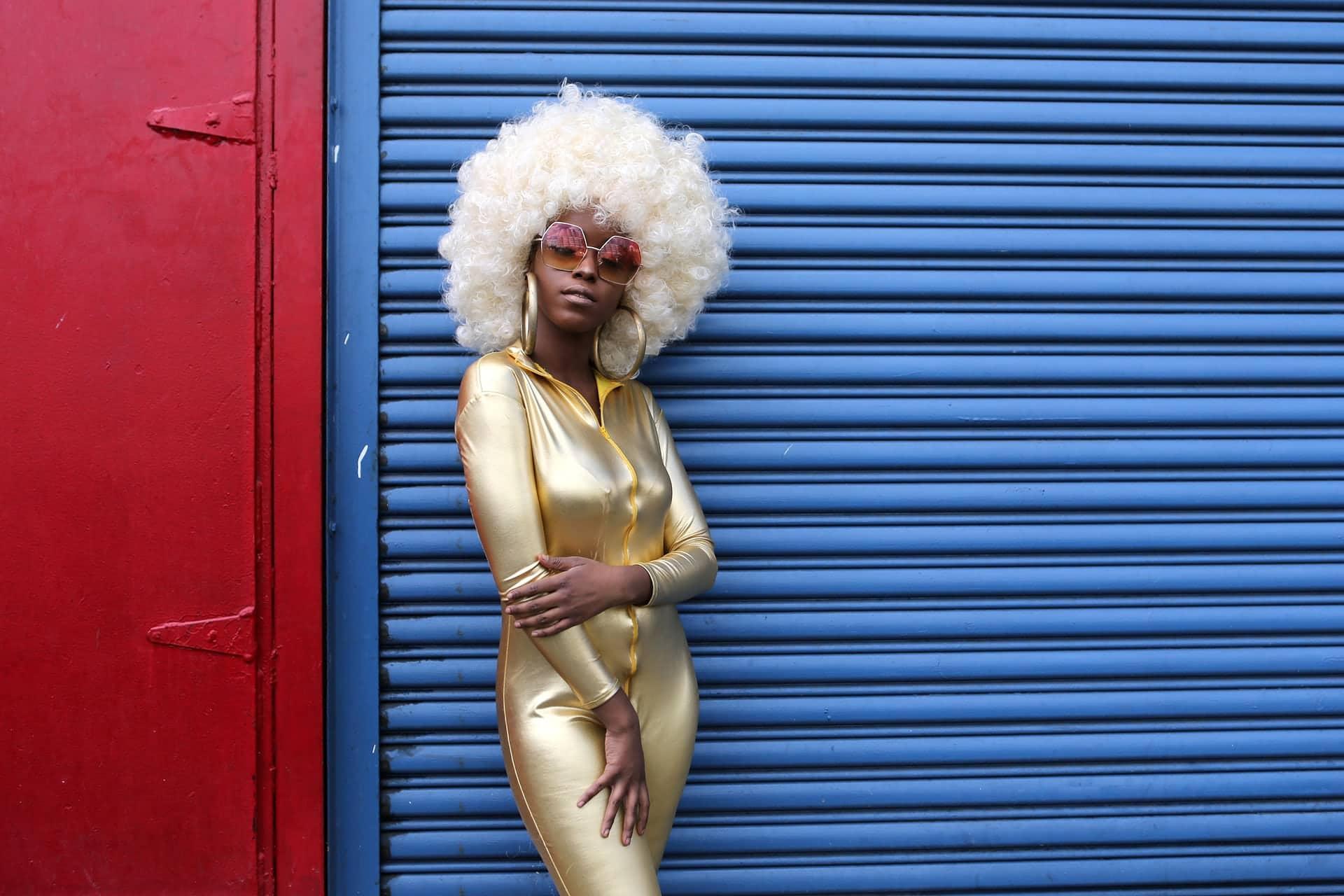 La modella e blogger Fennel Like Whoa posa per una foto durante la settimana della moda di New York