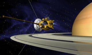La sonda Cassini si inabisserà nelle nubi di Saturno dopo 20 anni di servizio