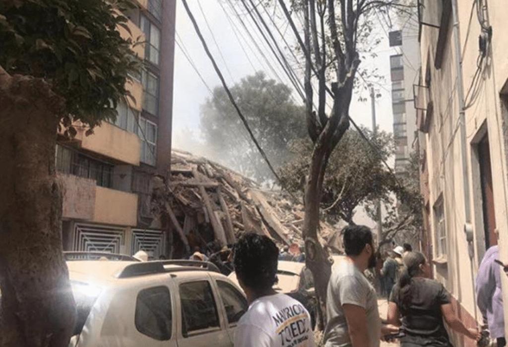 Un'immagine che mostra i crolli avvenuti in Messico dopo il terremoto del 19 settembre 2017