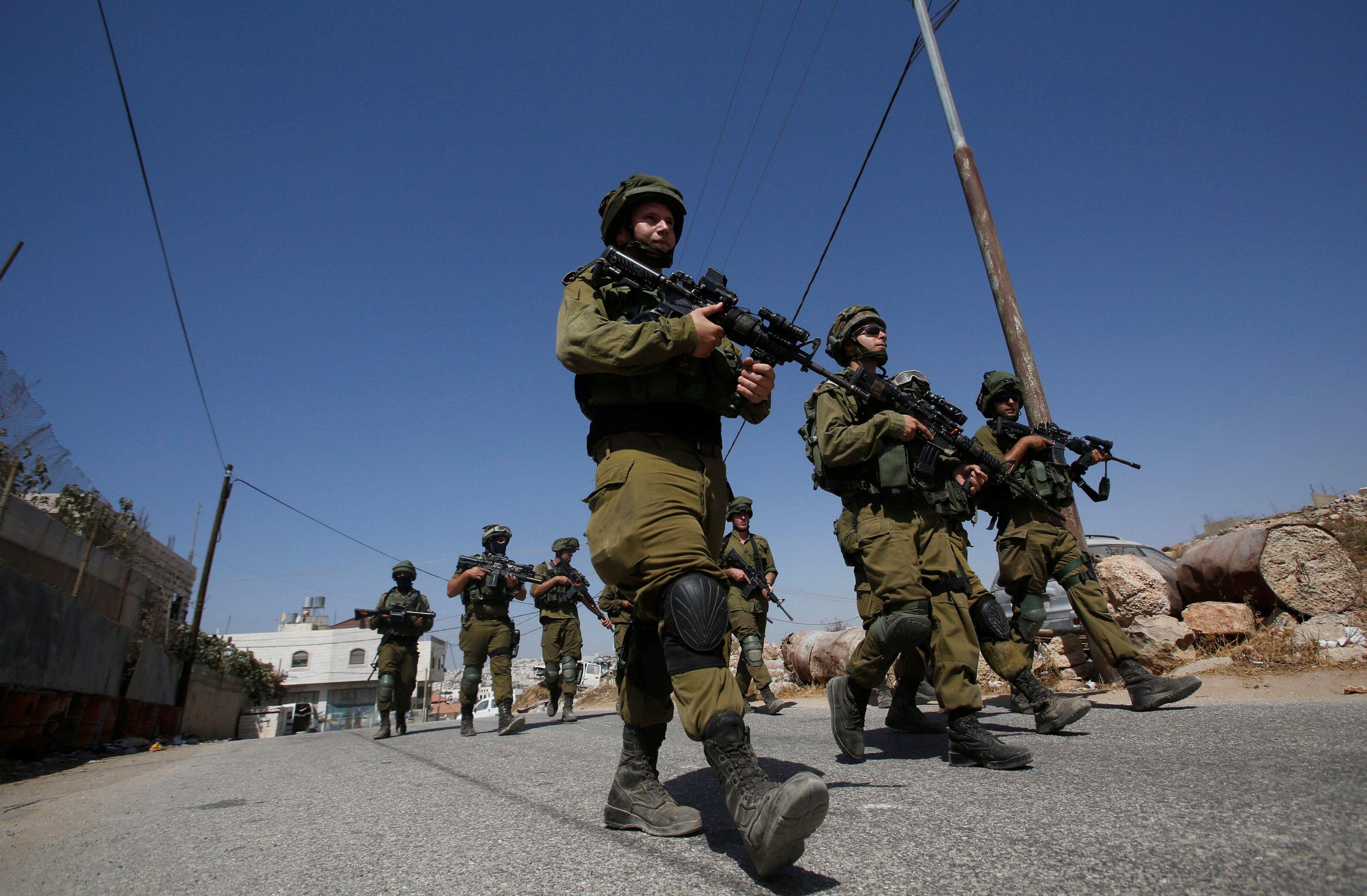 Cisgiordania, tre israeliani uccisi da palestinese in una colonia