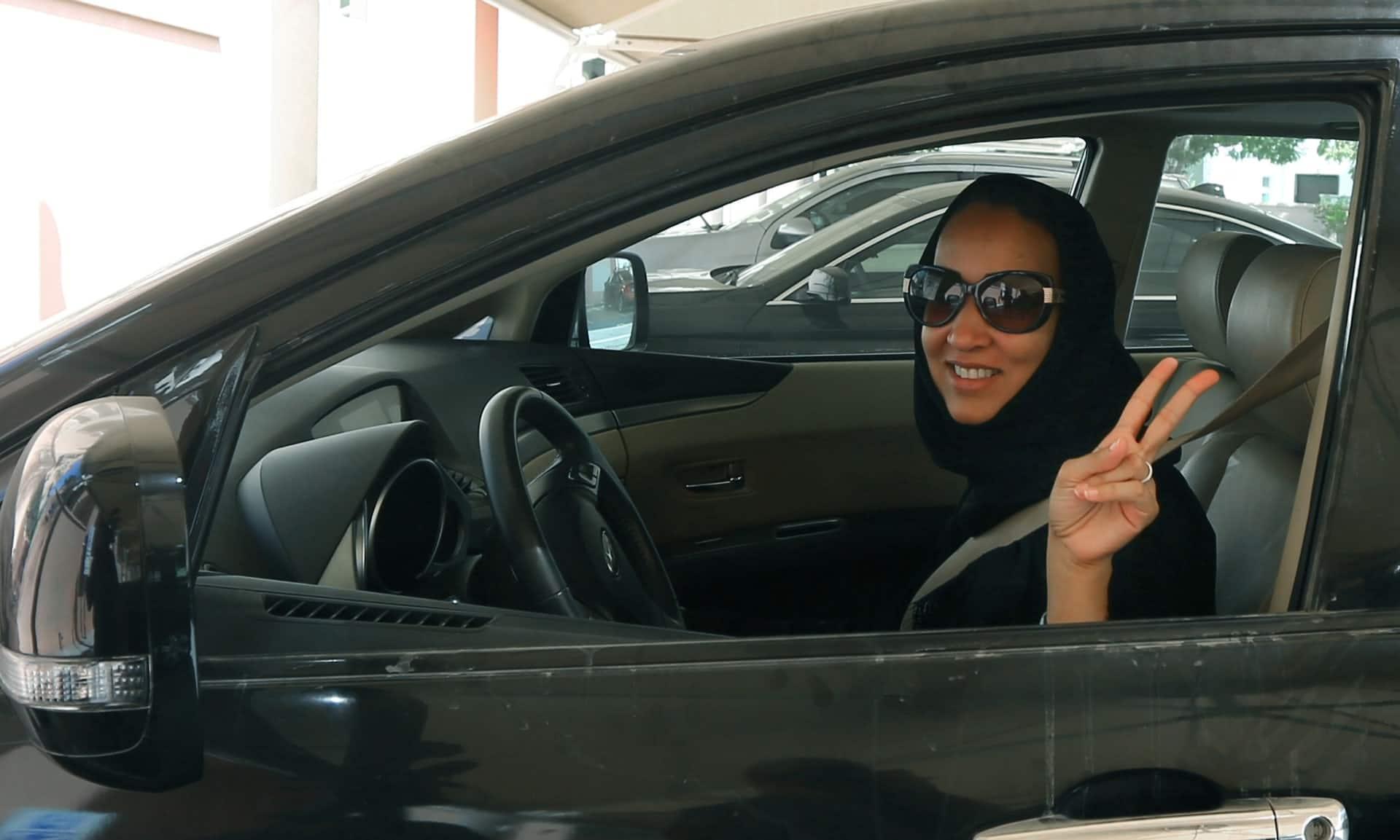 Le donne saudite potranno guidare le auto