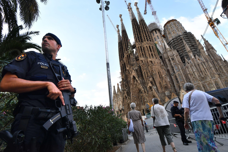 Furgone sospetto vicino alla Sagrada Familia: scattano i controlli a Barcellona