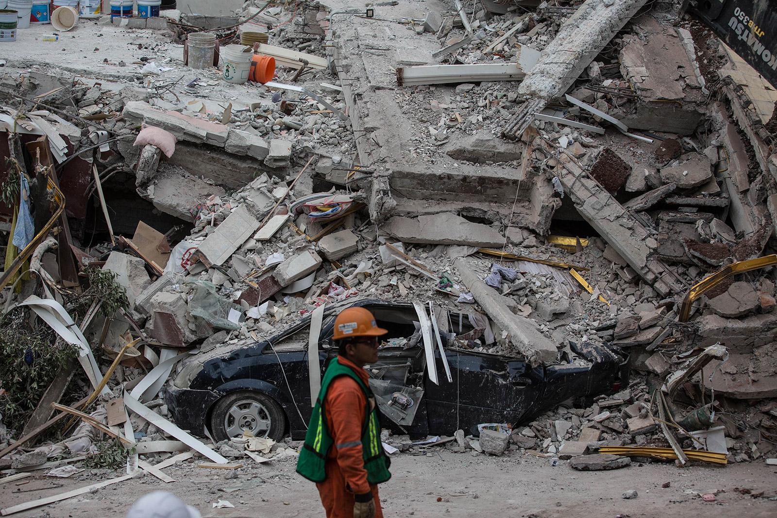 Sisma, il Messico conta le vittime. E la terra trema ancora