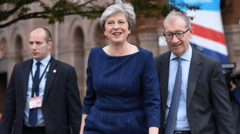 Gb, premier May non sta pensando a dimissioni