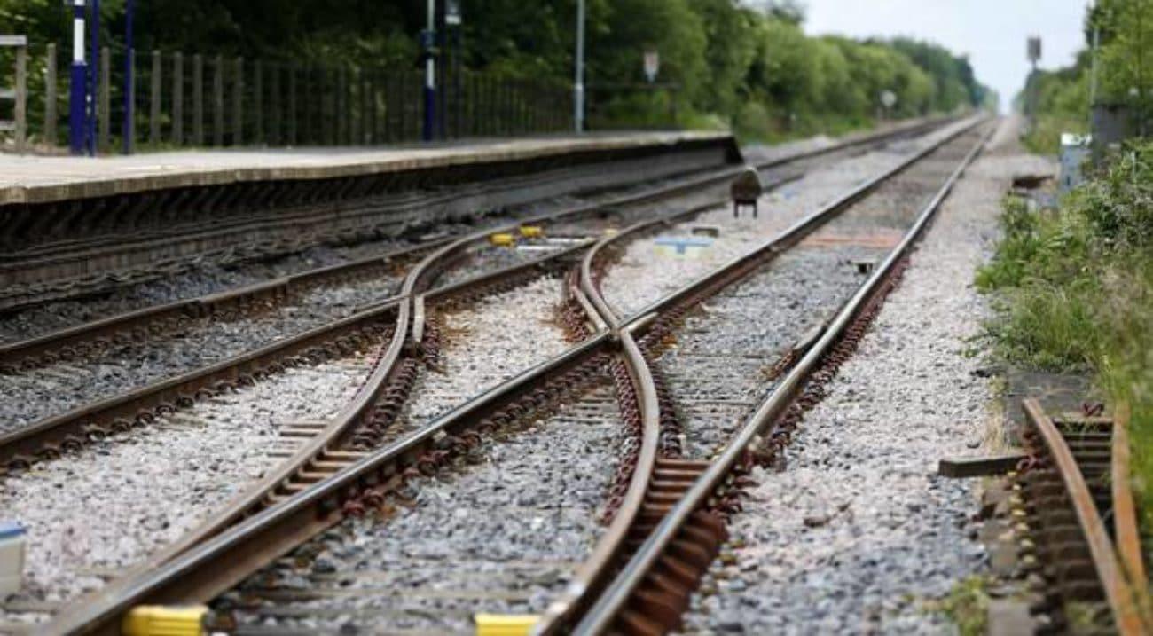 Scontro treno - veicolo militare, morti e feriti