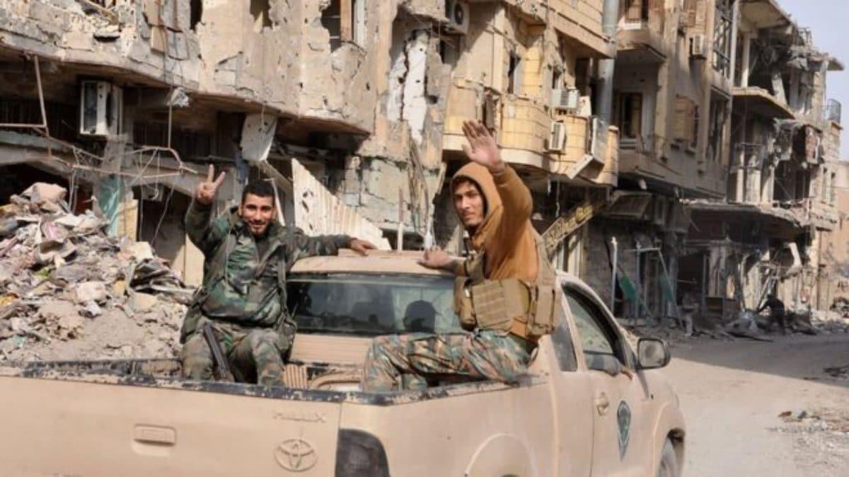 Iraq, trovate fosse comuni dell'Isis con almeno 400 cadaveri
