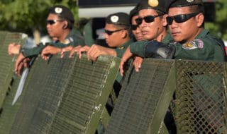 soldati cambogiani