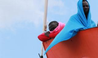 migranti-salerno-naufragio