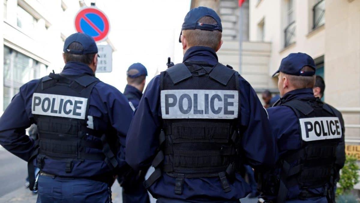 Francia, uomo travolge studenti con la sua auto: 3 feriti