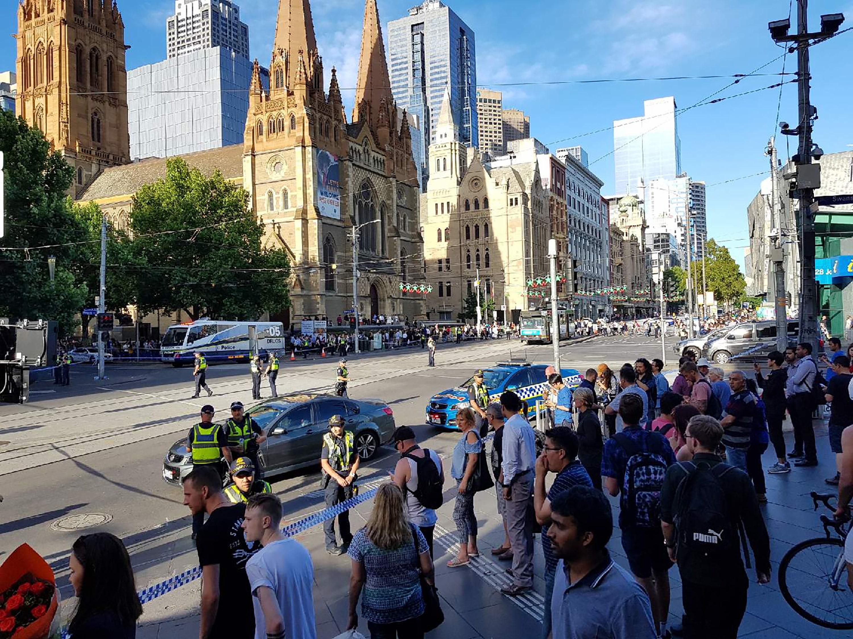 Melbourne, Australia: auto falcia i passanti, 16 feriti