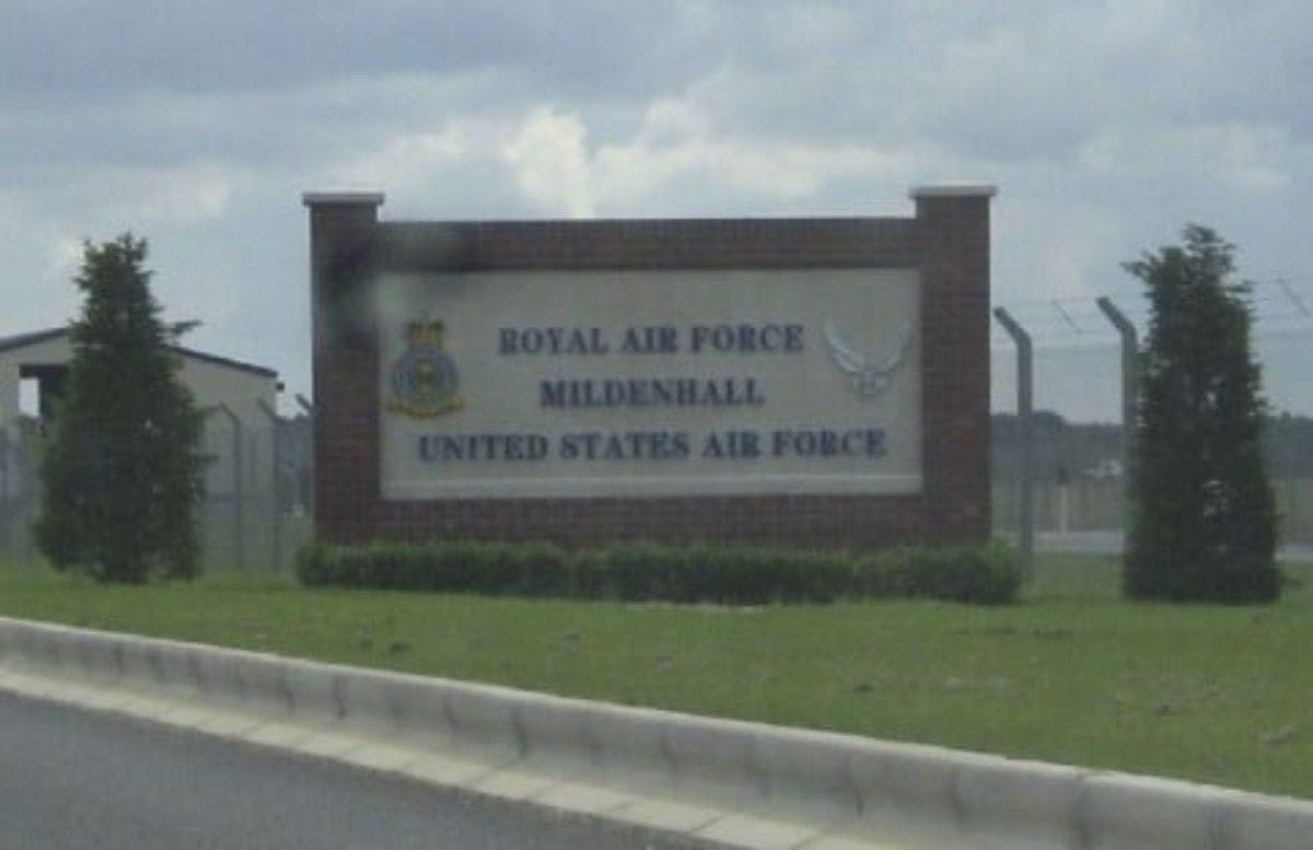 Gran Bretagna. Tenta di forzare con auto un checkpoint della RAF: arrestato