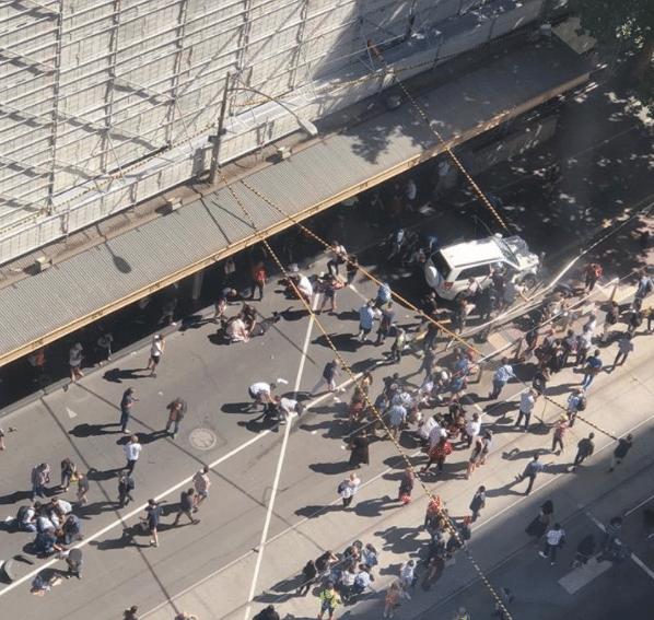 Melbourne, suv contro passanti: 19 feriti. La polizia: 'Non è terrorismo'