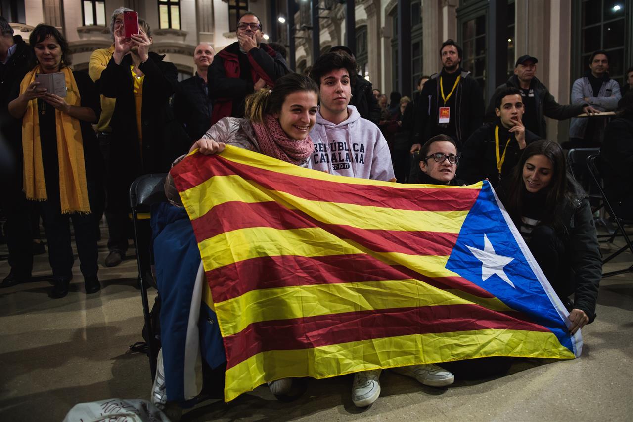 Catalogna, indipendentisti pronti per nuovo governo. Tegola sull'Ue
