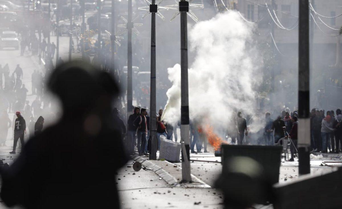 Polveriera Gerusalemme, due morti e oltre 200 feriti nel