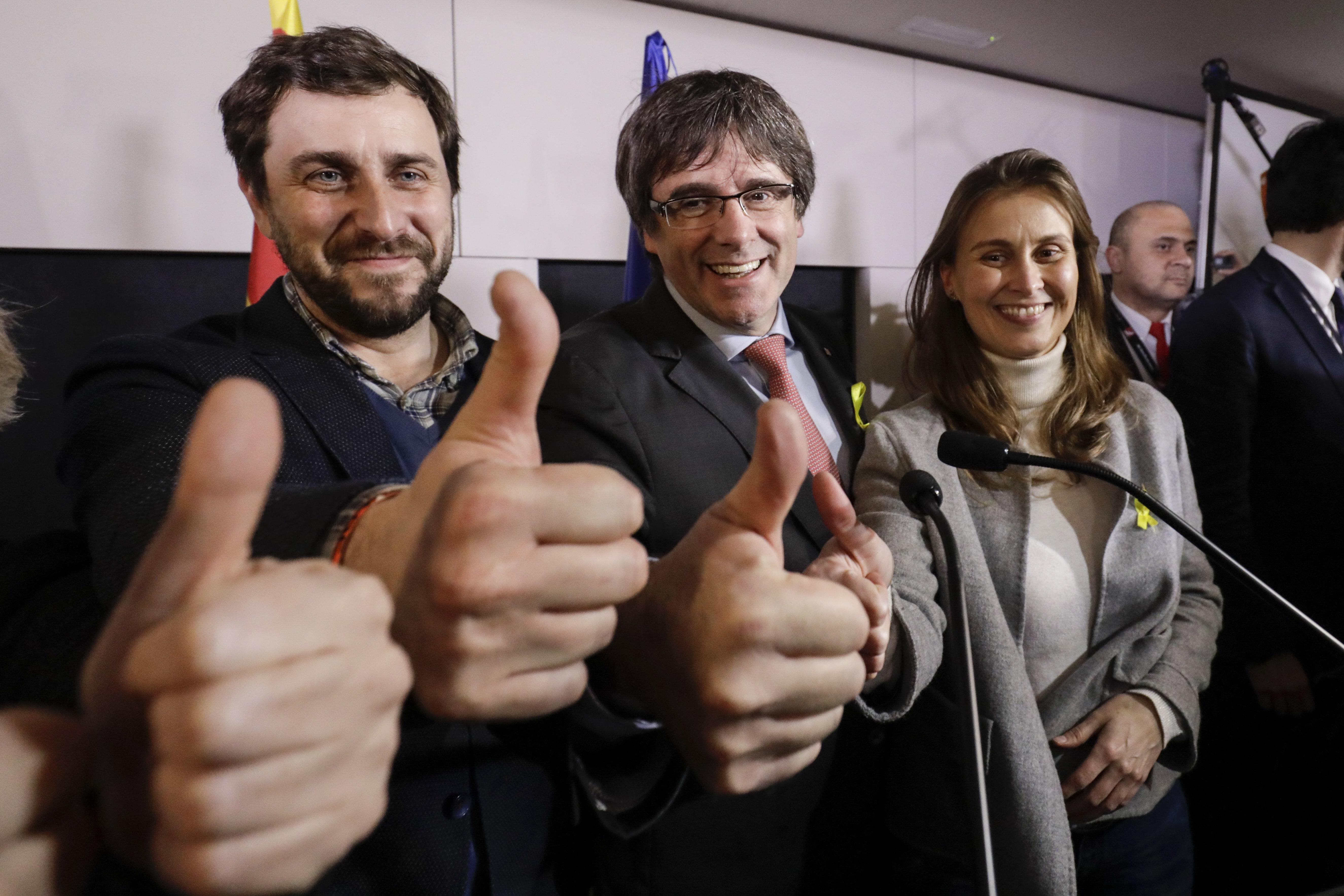 Catalogna. Rajoy non accetta incontro Puigdemont