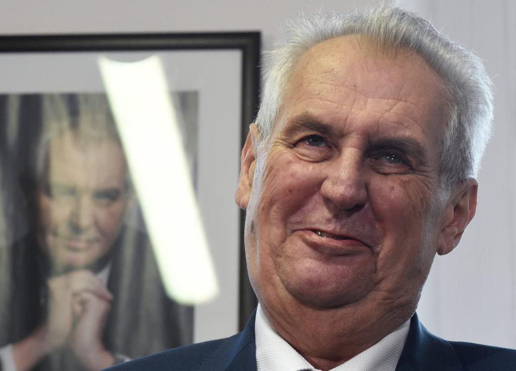 Secondo giorno di voto in Repubblica Ceca, Zeman punta a rielezione