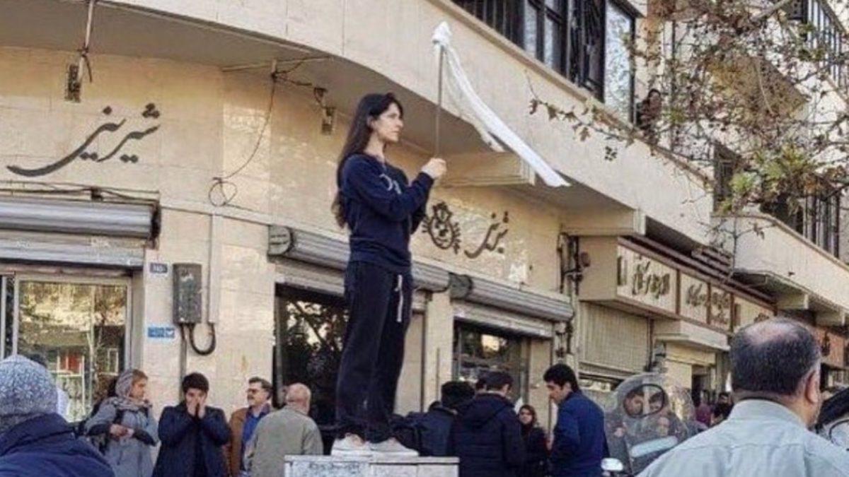 donne iran proteste velo