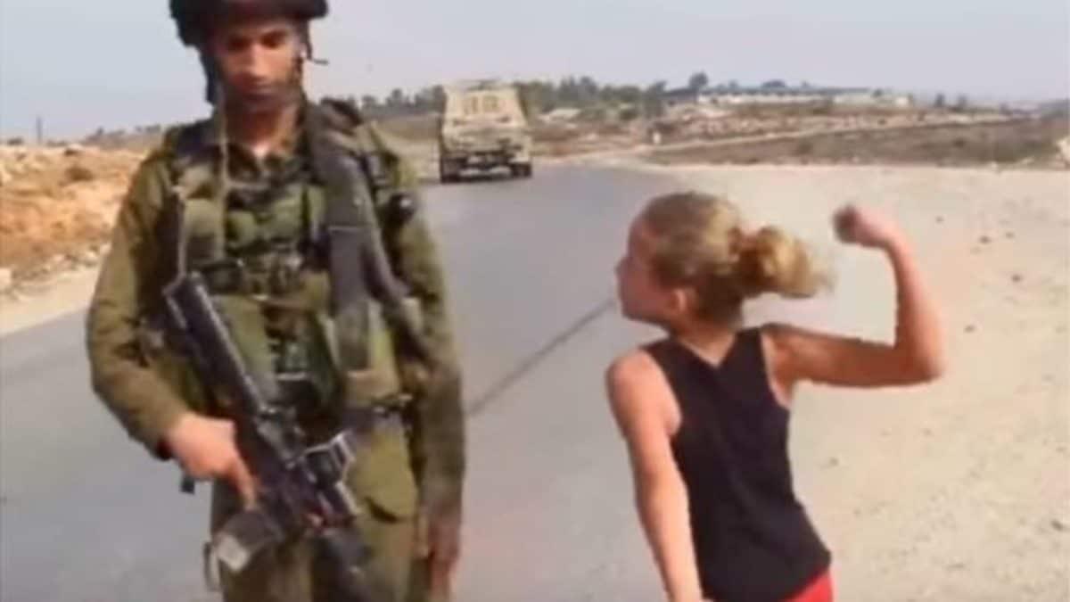 video ahed tamimi schiaffeggia soldato israeliano