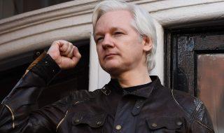 regno unito ecuador toglie connessione internet julian assange