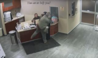 donna musulmana picchiata ospedale