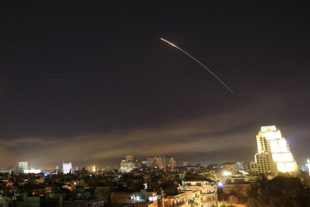 siria immagini bombardamenti usa