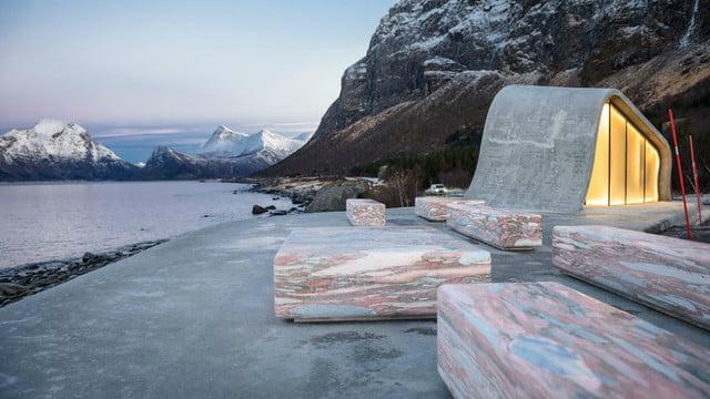 Le foto del bagno pubblico pi bello al mondo in norvegia tpi - Il bagno piu bello del mondo ...