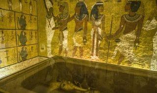 tomba tutankhamon nefertiti
