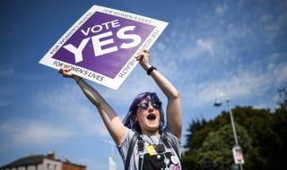 irlanda approva legalizzazione aborto