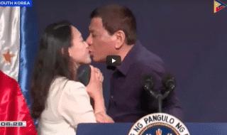 presidente filippine duterte bacio