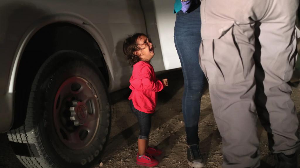foto trump migranti