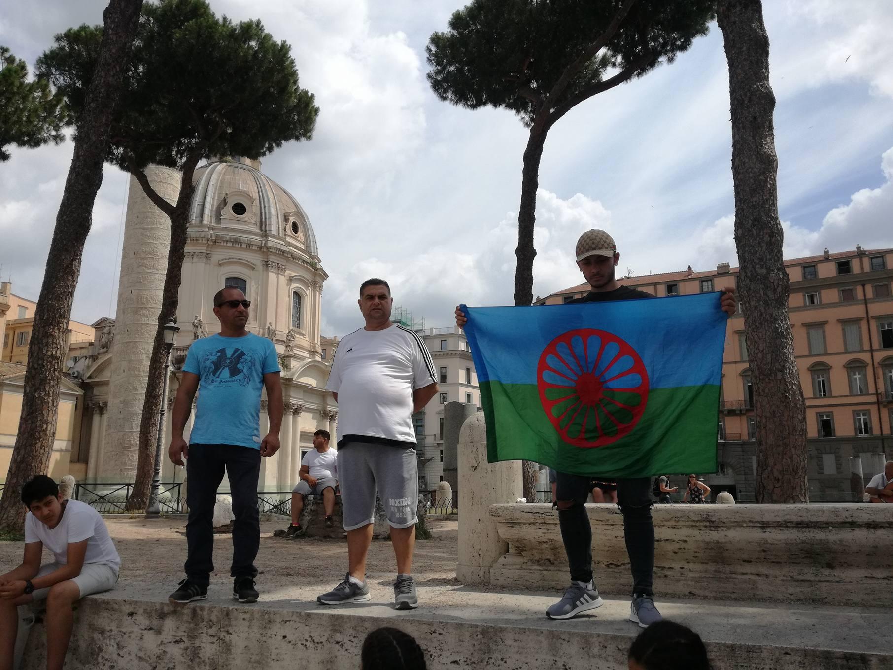 protesta rom camping river sgombero